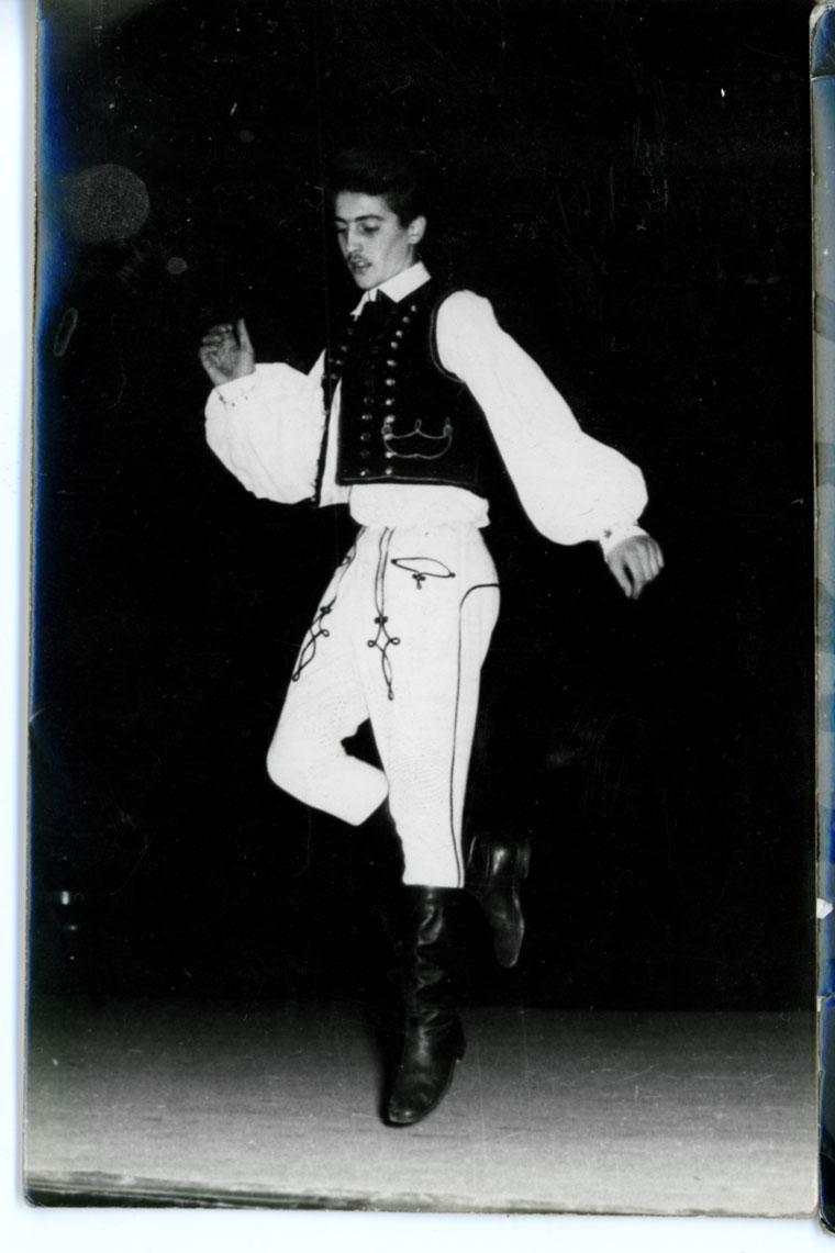 Verbunkot táncolok a Petőfi Műv. Ház szinpadán (1959. december 17.)