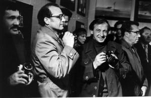 Fotóriporterek a kiállításom megnyitóján, Omszk, 1981.10.26. (Metzger felvétele)