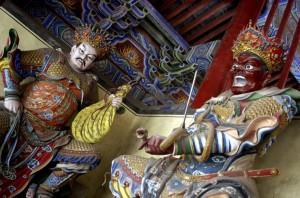 Eifert János: Budhista templom festett faszobrai (Kína, Henan tartomány 2002)