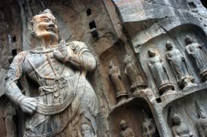 Eifert János: Kőszobrok egy budhista sziklatemplomban (Kína, Longmen 2002)