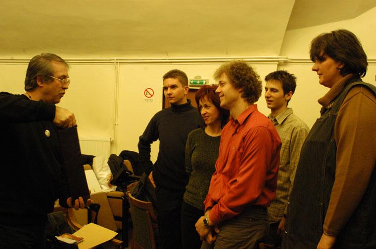 Eifert János a Mesterkurzus hallgatóival