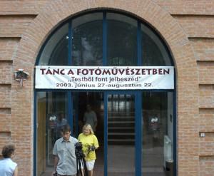 Testből font jelbeszéd / Language signalled by Bodies. Móra Ferenc Múzeum, Vár - Szeged, 2003. június 27 – augusztus 22.