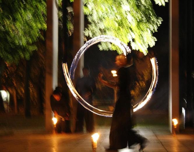 Szekszád, Művészetek Háza, Tűz-zsonglőrök - Photo: Eifert János