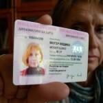 Szófia-Móger-diplomata-kártyával