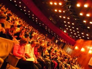 Modell-Divat-Iskola-vizsgaelőadás-közönsége