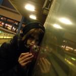 2010.12.06.-Fotóiskola-hallgató-tükröződéssel