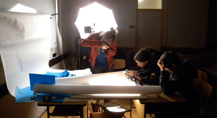 2010.12.13.-Fotósuli-tárgyasztalnál