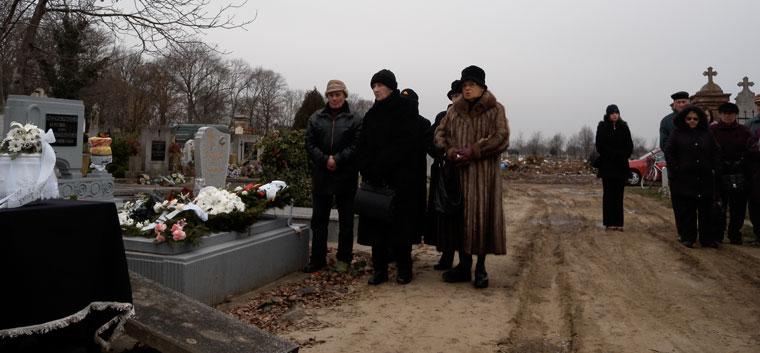 Anyám-temetése