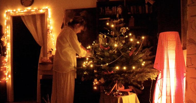 Karácsonyfadíszítés-Ildikó