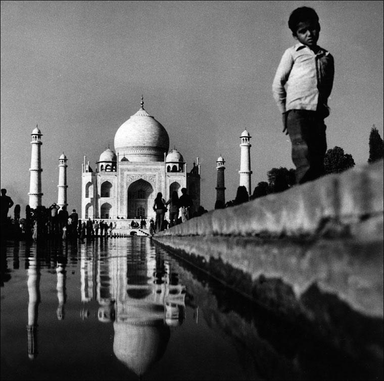 1974_Tadj-Mahal-India