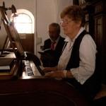 Budai-Mari-orgonál-Bőr-Feri-énekel-02