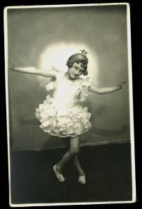 1937-Édesanyja-gyerekkorába
