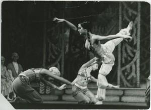 1974-Diótörő-keleti-tánc