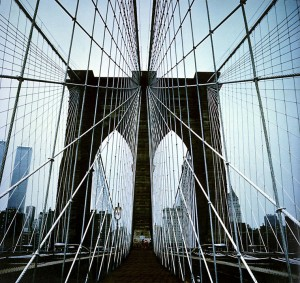 1977-Brooklyn-Bridge-New-Yo