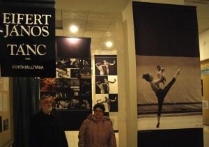 Eifert János TÁNC c. kiállítása, Városi Könyvtár, Hódmezővásárhely, 2007.11.26.