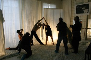 A Magyar Fotóművészek Szövetsége mesterkurzusa. Tánc/Test fényképezés az MMS Mozdulatművészeti Stúdióban, Budapest, 2005. február 12.