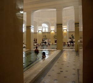 Széchényi-fürdő-nagymedence