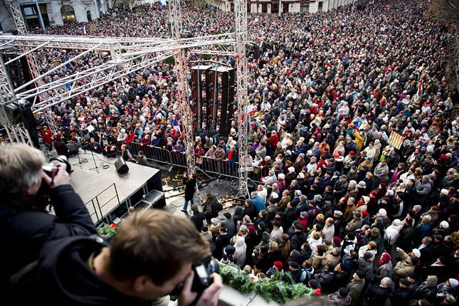 Tüntetés a Klubrádióért (MTI Fotó, Szigetváry Zsolt)