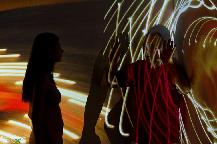 Eifert János modelljét instruálja (Hodos 'LX' Sándor felvétele), 2012.03.18.