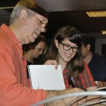 Tripont, Eifert János új könyvét dedikálja (Klug Viktor felvétele)