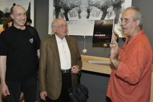 Tripont, Klug Viktor és édesapja, Eifert János könyvével (Debreczeni Tamás felvétele)
