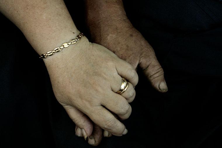 Kardos-házaspár-kezei 02 (Photo: Eifert János)
