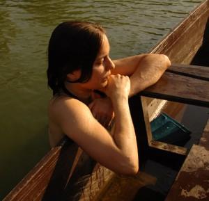 E. Tóbiás Sára, a lányom a Holt-Tiszában fürdik (Photo: Eifert János)