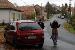 """Hont, Andris és Lili a """"főutcán"""" (Photo: Eifert János)"""