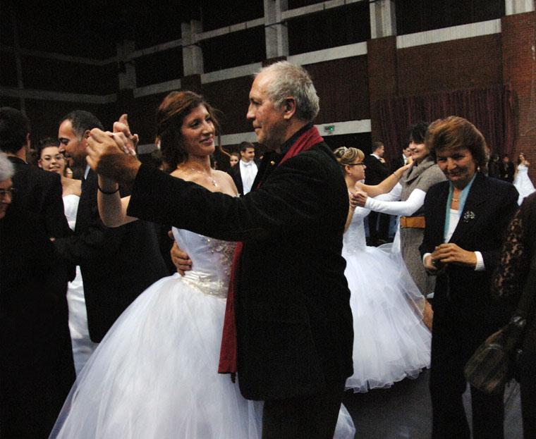 2012.11.16-Papa-Kata-lányával-táncol_3878
