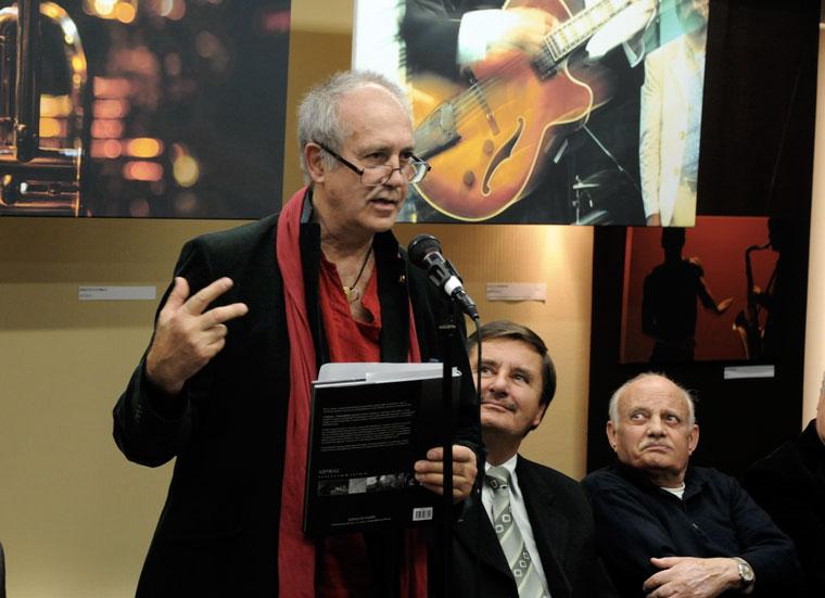 Eifert megnyitja a Jazzfotó-kiállítást (Photo: Kisfaludi István)