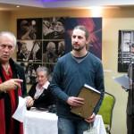 Juhász G.Tamás átveszi a díjat Eifert Jánostól (Photo: Juhász László)