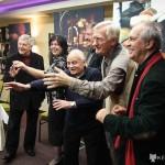 Markovics Ferenc, Karancs Julika, Siklós Péter, Karancs Ferenc, dr. Benkó Sándor és Eifert János táncolnak... (Photo: Szalóky Béla)