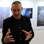 2012.12.11-Sárkány-Győző-a-kiállítás-rendezője