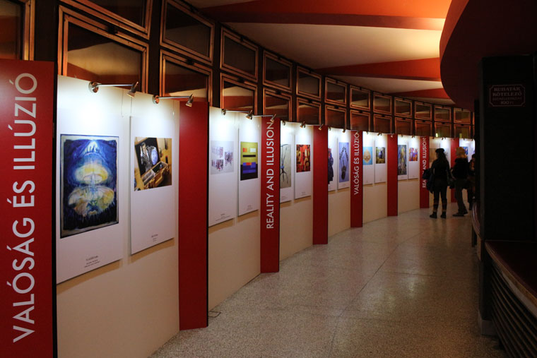 2012.12.11-Valóság-és-illúzió-kiállítás-részlete-01