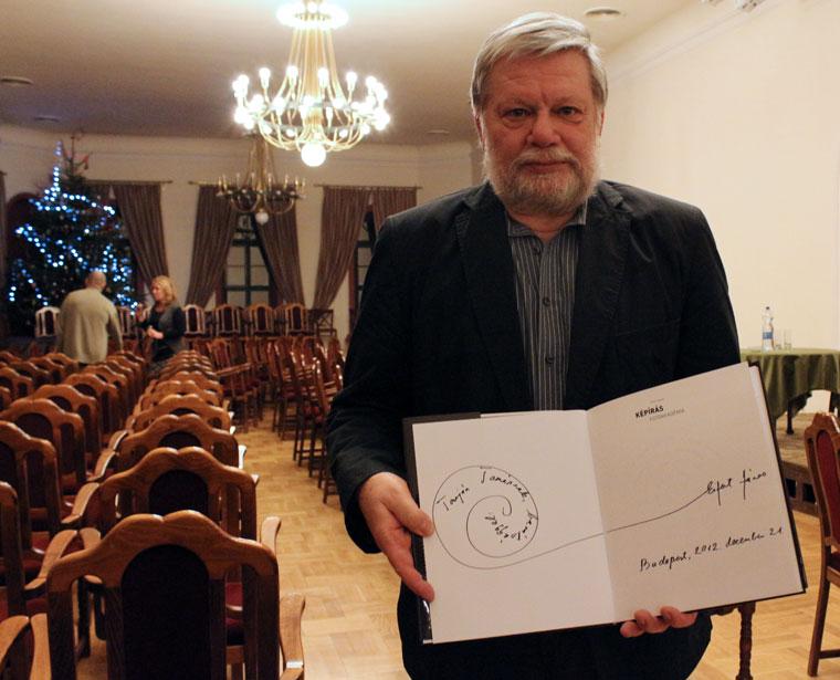 Tarján Tamás dedikált könyvemmel (Photo: Eifert János)