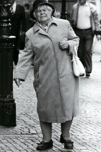 Kalapos néni a belvárosban (Aachen, BRD, 1983. szeptember) Photo: Eifert János