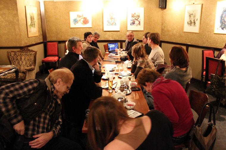 2013.01.11-Fotóakadémia-megbeszélés-Hadik-Kávéházban (Photo: Eifert János)