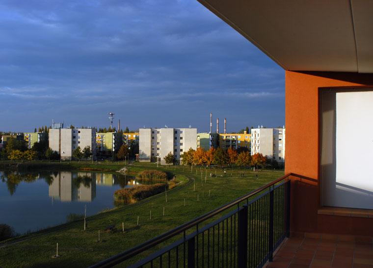 2002.10.08. Rálátás a házunkból a tóra, Győr, Zöld-u (Photo: Eifert János)