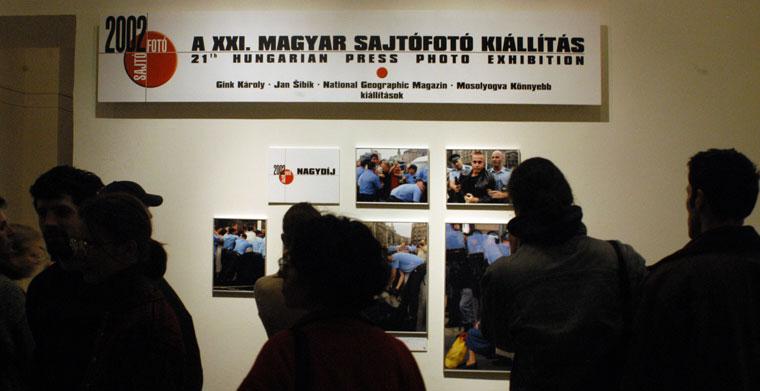 2003.03.13.-XXI.-Magyar-Sajtófotókiállítás-Néprajzi-Múzeum