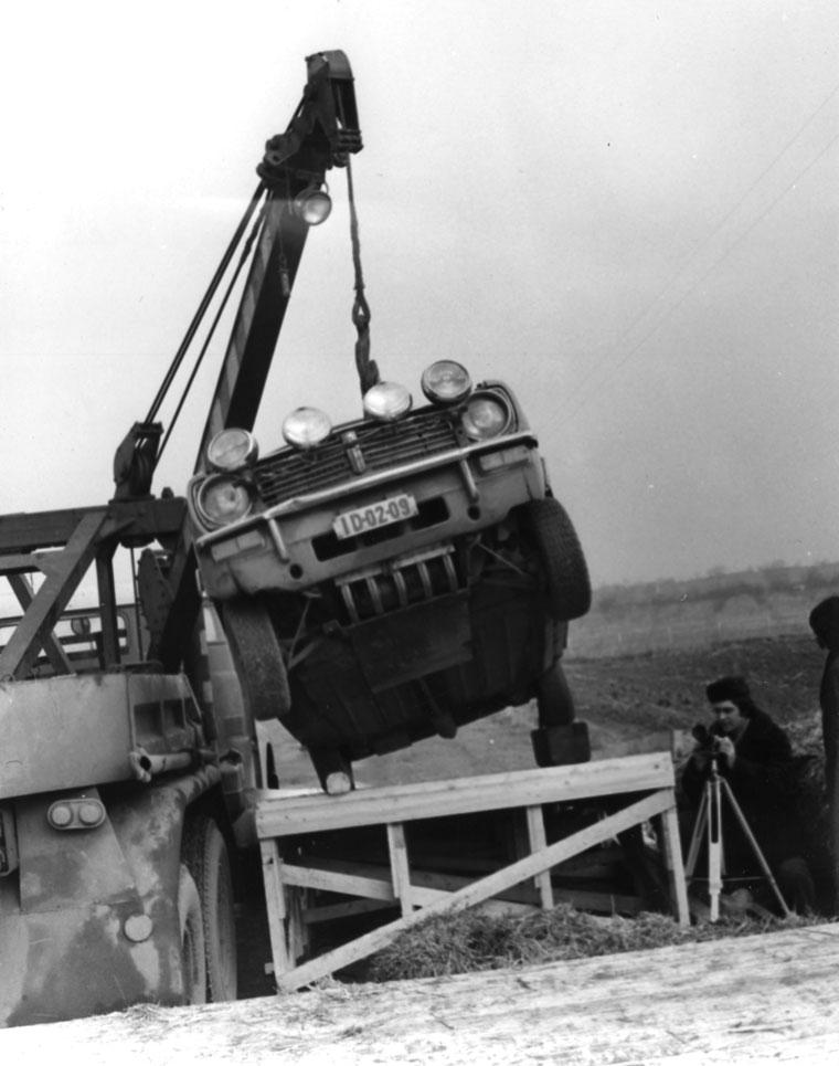 Eifert János a 1-fok-C TV-film külső felvételeit készíti (Kende Tamás felvétele)