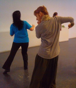 Ildi-táncol (Eifert János felvétele,  mobil telefonnal)