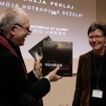 2013.04.02.-Eifert-könyveivel-Puhar-Petrával_PhotoSimonKrejan