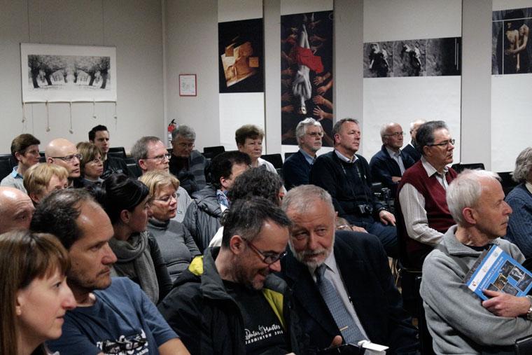 2013.04.02.-Kranj-kiállítás-megnyitó-közönsége (Photo: Eifert János)