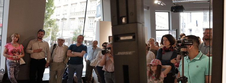 X6 Gallery, Megnyitóközönség (Photo: Eifert János)