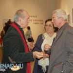 Eifert János Almási László polgármesterrel és feleségével beszélget Rodolf Hervé kiállításának megnyitóján (Promenad.hu) 2013.05.28.