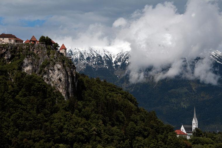 2013.06.01.-Bledi-tó-vár-és-templom (Photo: Eifert János)