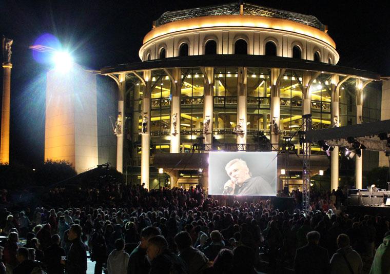 Búcsú-piknik a Nemzeti Színháznál (Photo: Eifert János)