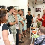 Eifert tárlatvezetése kiállításán, a Kiss Fotó Kamara Galériában (Photo: Kiss András) Kecskemét, 2013.07.04.