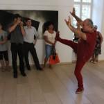 Mi kell a jó táncfotó készítéséhez? Eifert bemutatja tánctudását (Dobóczky Zsolt felvétele) 2013.07.21.