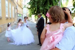 A menyasszony kisérőivel, Trenčín, 2013.07.27. (Photo: Eifert János)